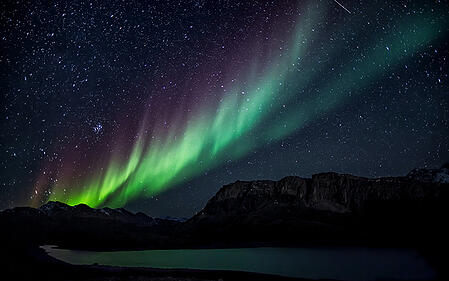 northern_stars_and_geomagnetic_northpole