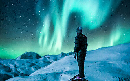watching_aurora_in_christmas